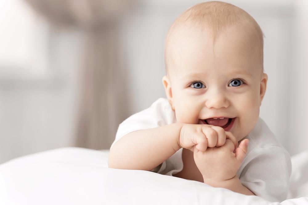 Com quantos meses nasce dente no bebê?